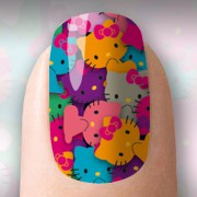 Hello Kitty colorida com fundo roxo